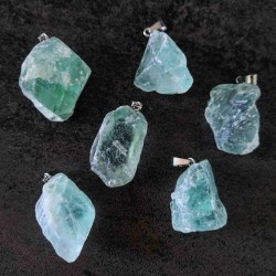 Pendentif brut de Fluorite verte ~ Apaisement (Fluorine)