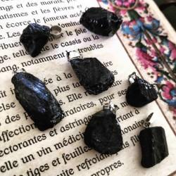 Pendentif de Tourmaline noire brute ~ Protection